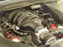 マセラティの100年以上の歴史が詰まった、フェラーリ製4.7リッターV8自然吸気エンジン。是非店頭でその走りやエギゾーストを、肌で、耳でご体感ください。