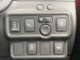 純正オプションインテリジェントクルーズコントロール装備!車線逸脱警報や衝突軽減ブレーキなどの先進装備付き!