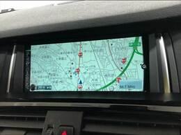 メーカーナビを装備でロングドライブも快適ですs。フルセグTV視聴可能!