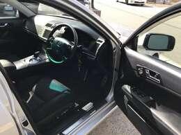 ★ルームクリーニングも1台1台丁寧に実施★納車前に1台づつシートを外し内装クリーニングを実施。元々磨き・内装クリーニングの専門店のため徹底して実施しております。
