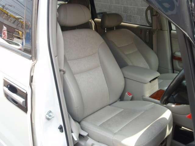 ホールド性に優れたシートは座り心地が良く、長距離運転の疲れなどを軽減します!!