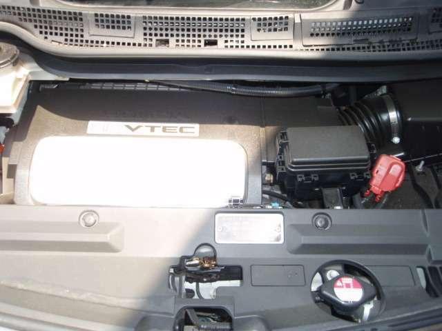 V6 3.5Lエンジン搭載。7名フル乗車の際や重いお荷物等を乗車した時でもストレスなく運転が楽に行えます。