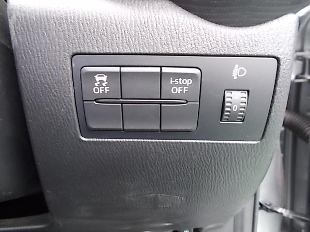 横滑り防止装置で安心です。もちろんアイドリングストップ付きです。