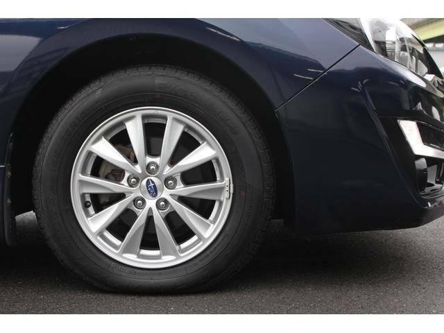 【タイヤ&ホイール】純正15インチアルミホイールを装備、タイヤサイズは195/65R15を設定しております。