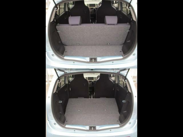 リヤシートも全車消毒済み。シートの後ろにちょっとした収納スペースがあります。毎日のお買い物もしっかりサポート!