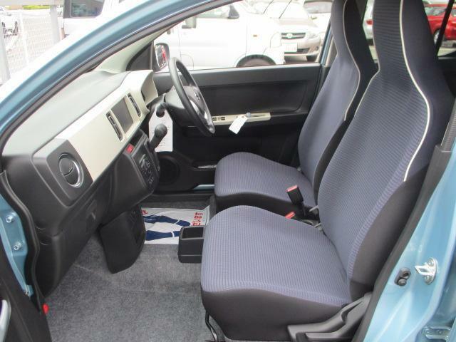 助手席から。車検証などはグローブボックスへ☆もしもの時のSRSエアバッグを助手席に装備!