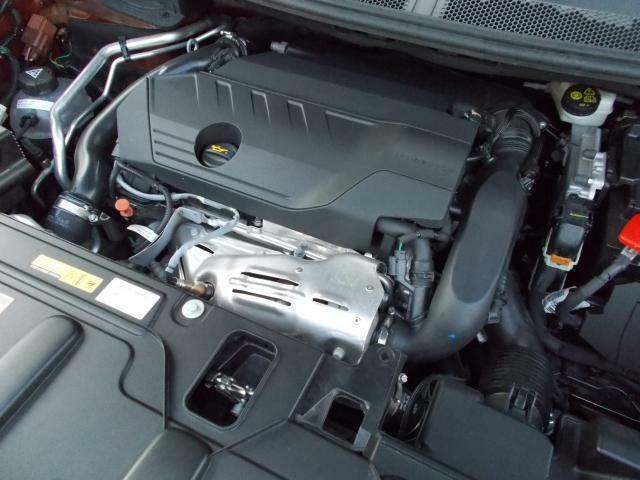 1.6L PureTechツインスクロールターボエンジン ストップ&スタートシステムで良好な燃費性能も実現。