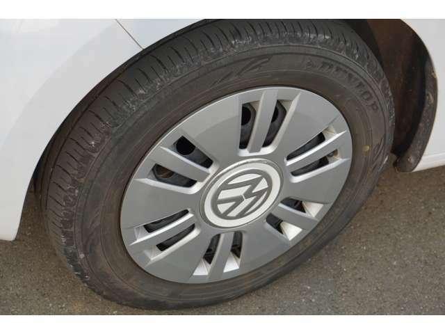 タイヤは8分山。ヒビ割れもなくいい状態です。