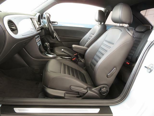 上質な本革シートです♪シートヒーターも装備されています!