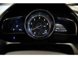 車両情報が掴みやすいメーター。視認性がイイです!