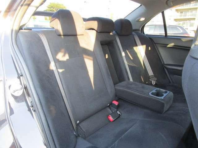 リヤシートも十分なスペースあります!
