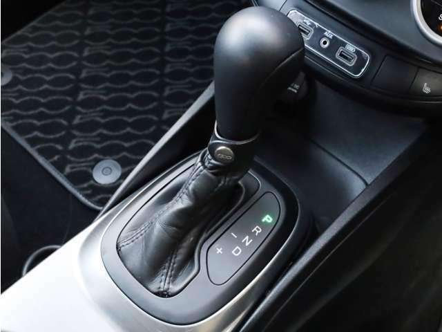 ■6速AT(マニュアルモード付き、パドルシフト可能) ■アイドリングストップ ■アダプティブクルーズコントロール ■ブラインドスポットモニター