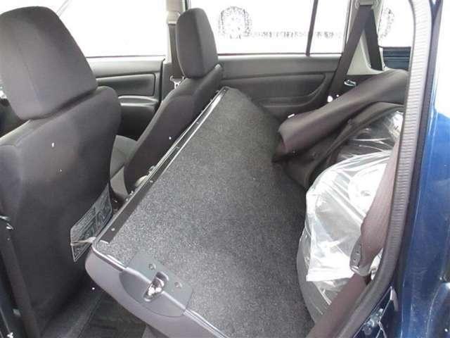 後席もゆったり♪足元も広々。乗車している人皆様が快適に感じて頂ける車です♪