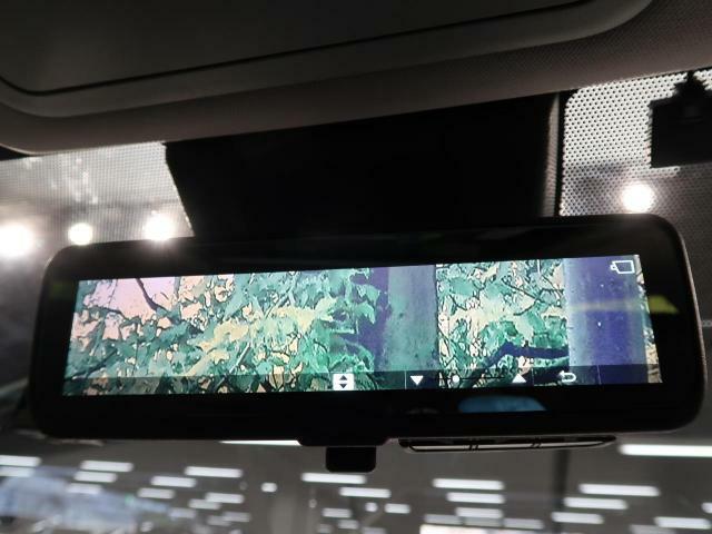 デジタルインナーミラー☆後方の視界確保もバッチリです♪