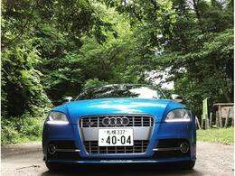 アウディ TTSクーペ 2.0 4WD AudiエクスクルーシブTTS 内装Exclusive