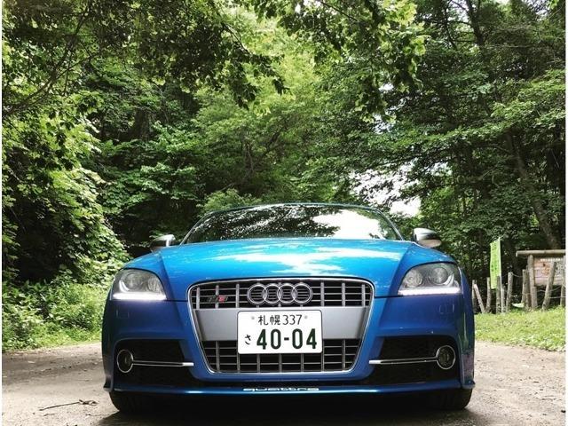 ただのTT Sクーペではない『Audi exclusive TT Sクーペ 』・・・haute couture(オートクチュール)・・・オーダーメイドで内外装を作りこんだスプリントブルーパールエフェクトのTT Sクーペ入庫。