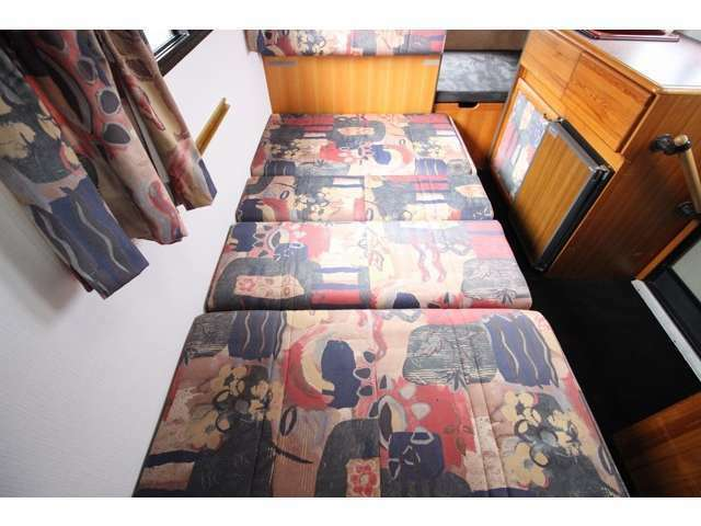 ダイネットベッドは190×100!
