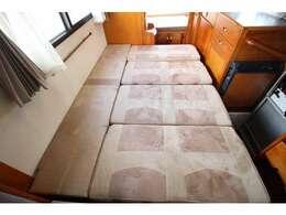 ダイネットベッドは180×133のゆったりサイズです!