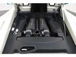 5.2L V型10気筒DOHC