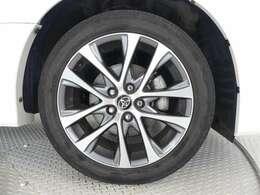 納車整備時にタイヤを4本、新品にお取替え!!18インチのサイズなので大変お買い得ですよね♪