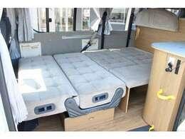 ダイネットベッドは200×120!