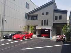 展示場 徳島では珍しい車を置いてます!是非一度ご見学下さい!