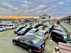 国産車を中心にリーズナブルな価格で幅広くご用意しております。試乗も可能ですので、ご来店前にご連絡下さい。