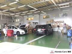 整備工場は指定整備工場なので安心して整備、アフターをお任せください!