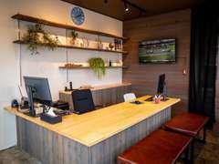 地元人気カフェとのコラボにて完成したした事務所はまるでカフェ!!癒しの空間です♪