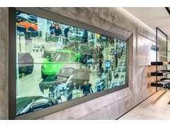 大型モニターにてマクラーレン・テクノロジーセンターやプロダクション・センターの最新映像がご覧頂けます。