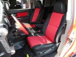 トレイル専用のレッド&ブラックのシート生地!運転席の状態もキレイです☆座面、背面ともに目立つようなダメージもありません♪