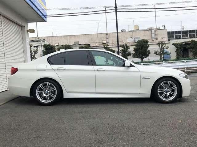 ★前期モデルならではの直6エンジン搭載!BMWの直6エンジンは「シルキーシックス」と呼ばれ、(絹)の様にどこまでも滑らかに回っていきそうなエンジンと呼ばれています!ぜひシルキーシックスをご体感下さい★