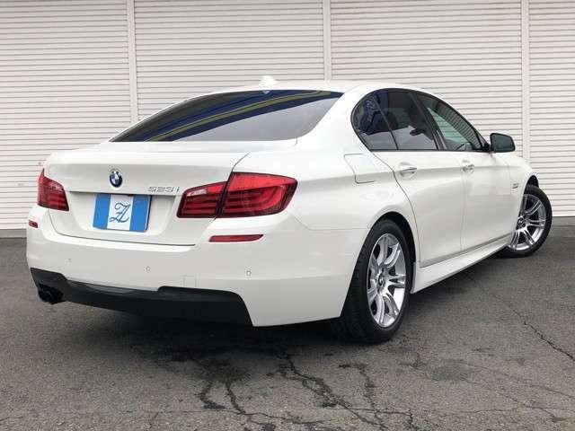 ★この迫力あるボディに2500ccのNAエンジンでは、若干のパワー不足を感じるかもしれませんが、「前後重量配分を限りなく50:50に近づける」等BMWの設計には走りに対するこだわりが感じられますね★
