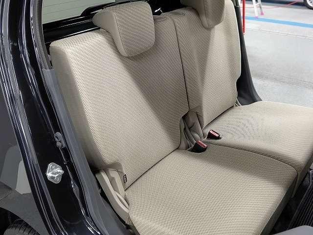 後部座席シートにもタバコによるコゲ跡等は見受けられませんでした! 詳細等はお問合せ承っております!