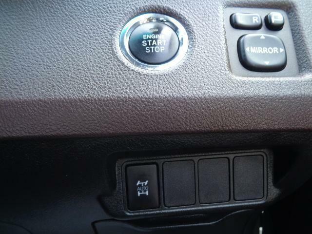 スイッチによる切り替え式の4WD!