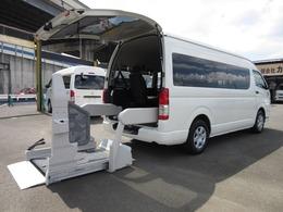 トヨタ ハイエースコミューター 6ATウェルキャブDタイプ車イス4台固定 ワイド福祉車両 9人乗 パワースライド付