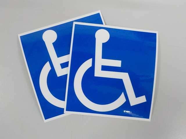 ご希望の方には車いすステッカーを差し上げます! それでは様々な画像をご覧ください!