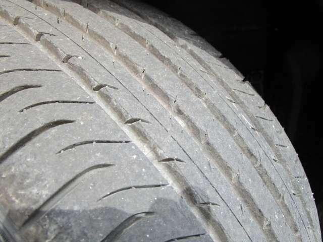 タイヤ溝もしっかりございます!