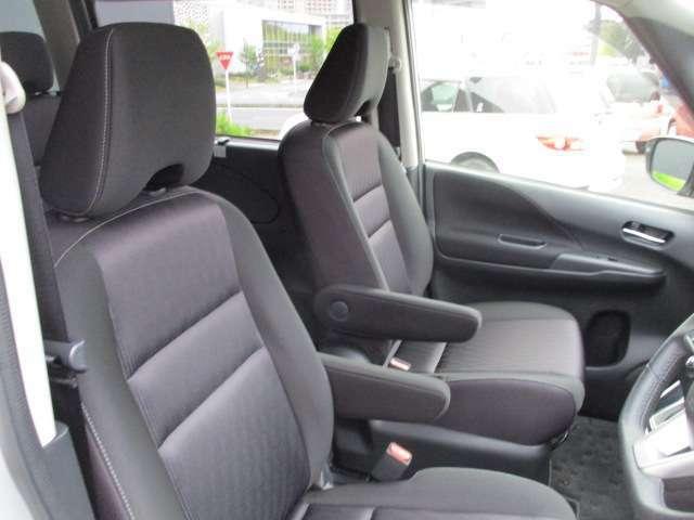 大きなシートスライド量や、スマートマルチセンターシートの活用により、14通り以上の多彩なシートアレンジが可能になります。