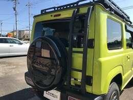 リアラダー&背面タイヤカバー装備です!