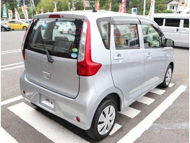 お車でお越しの際は、東関東道、佐倉インターから降りて、国道51号線を千葉方面へ10分程です。吉岡十字路が目印になります。又、四街道インターで降りた際は、国道51号線を目指していただき20分ほどになります。