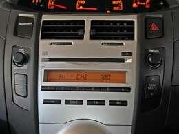 【CD・ラジオチューナー】CD・ラジオチューナーとなります。ナビゲーション等をご希望の場合は、スタッフへご相談ください。