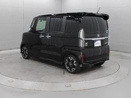 安全装備や新採用の助手席スーパースライドシートなどの充実した機能を備えた上で約80kg軽量化し、優れた走行性能・低燃費・乗り心地を実現しています。
