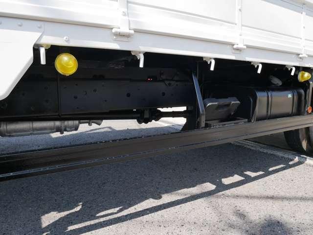 敷板鉄板 燃料タンク