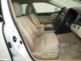 『トヨタ認定中古車』 3つの安心を1台にセット!1.徹底した洗浄 2.車両検査証明書付き 3.ロングラン保証付き 全てをクリアした「安心」の証!