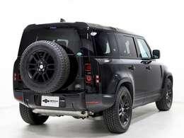 3ゾーンクライメートコントロール・コールドクライメートコンビニエンスパック・プライバシーガラス・空気イオン化・12ウェイセミ電動フロントシートが装着されております。