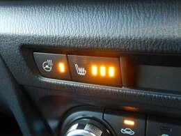 シートヒーターも装備しております!!エアコンよりも早く温まるので寒い時期には非常にうれしい装備です!!ステアリングヒーターも装備されています!!