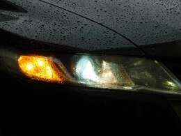 HIDヘッドライトはオートライト機能付きです!夜間やトンネルなどの暗い場所での自動点灯機能が便利です♪