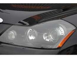 ヘッドライトはインナーブラック&サイドマーカー点灯加工済みです