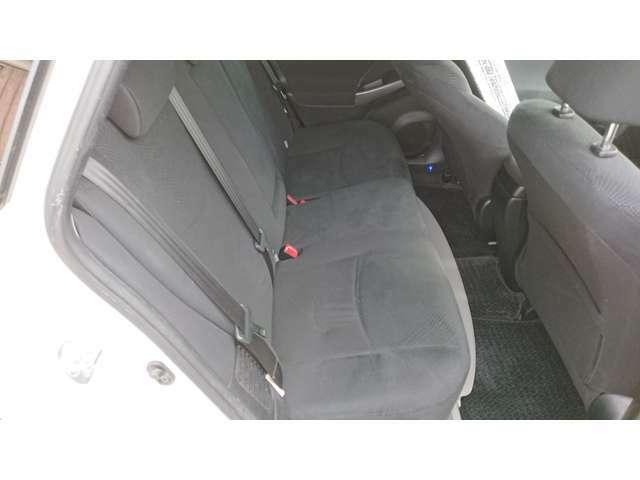 後部座席シートも綺麗です!